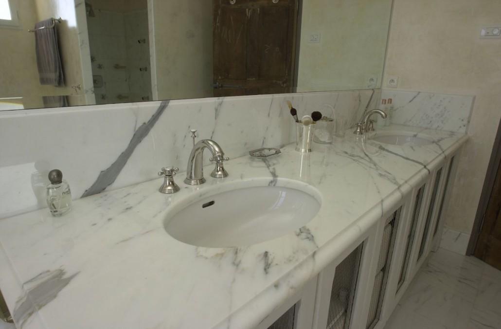 Salles de bain la pierre et le marbre aubagne pr s de for Marbre pour salle de bain