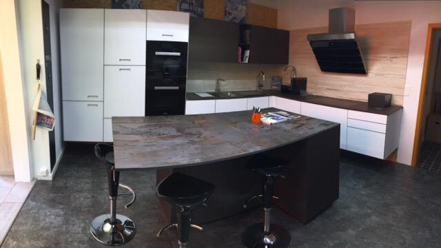 interesting si vous tes intress par un de nos produits vous pouvez nous contacter ou passer. Black Bedroom Furniture Sets. Home Design Ideas