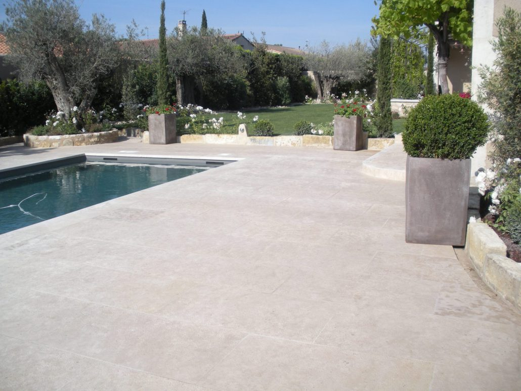 Dallage piscine margelle pour terrasse marseille aubagne aix - Margelle noire pour piscine ...