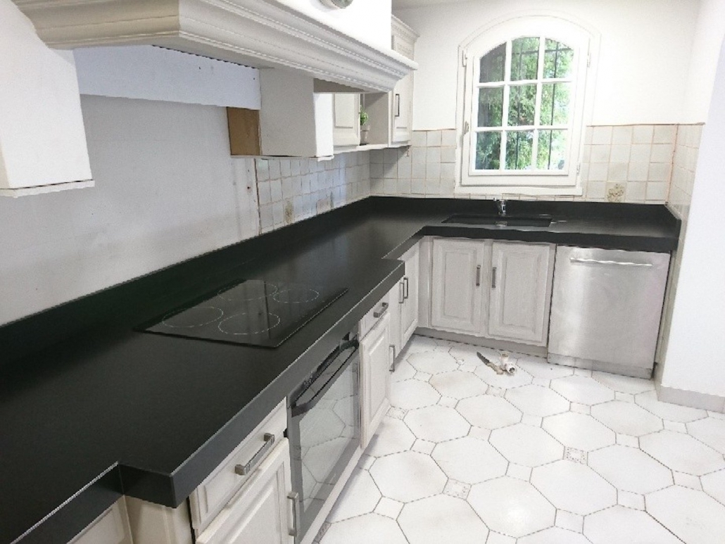 cuisines et plan de travail en marbre quartz silestone. Black Bedroom Furniture Sets. Home Design Ideas